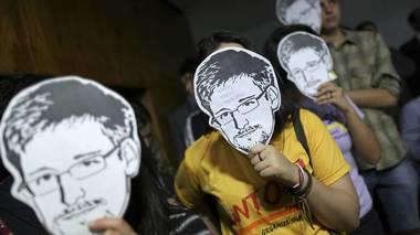 Avsløringene  etter lekkasjene til Edward Snowden betegnes som tidenes største overvåkingsskandale. Dette førte til at flere norske akademikere nominerte ham til fredsprisen.