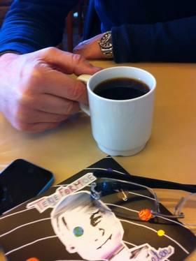 Når Formoe ikke drikker sjørøvermjød foretrekker han en kopp kaffe.