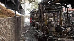 Fire hybridbusser  totalskadet i brann