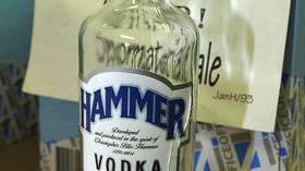 Barn får alkohol  fra sprit-taxier