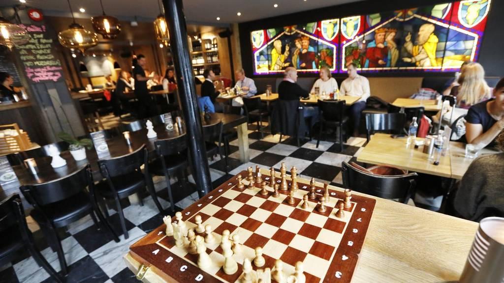 Afbeeldingsresultaat voor cafe sjakk matt